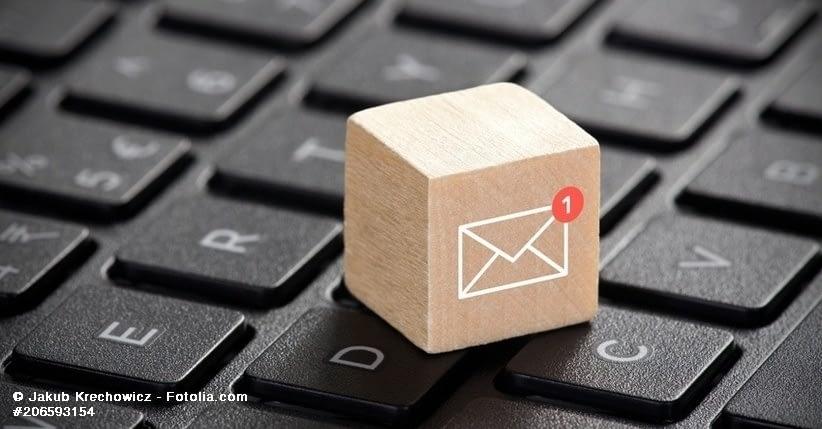 Mailzeichen auf Tastatur